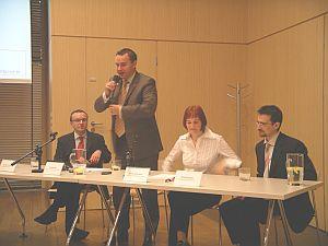 Konferencja Gazeta.pl oraz IDG.pl. Od lewej: Dariusz Sokołowski (IDG), Robert Biegaj (Gazeta), Benita Jakubowska (Gazeta), Michał Kreczmar (IDG)