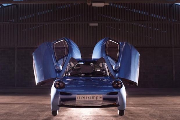 Rasa - dwudrzwiowy samochód typu hatchback